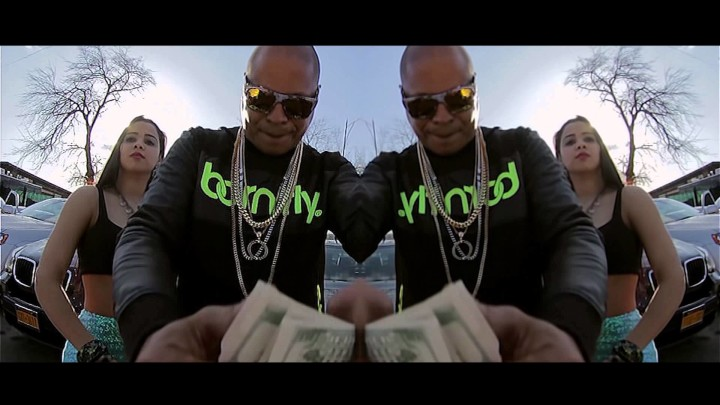 SIGUE DANDOLE PLAY: El Mayor Clasico ft R-1 La Esencia – Al Que No Le Gute (Official Video)