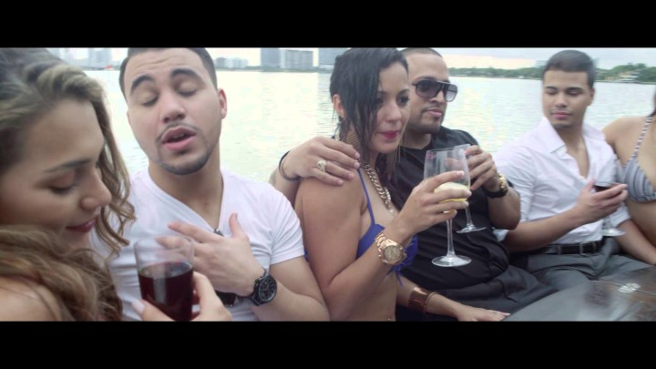 A PETICION: Solo 2 – Llevame Hasta La Luna (Official Video)