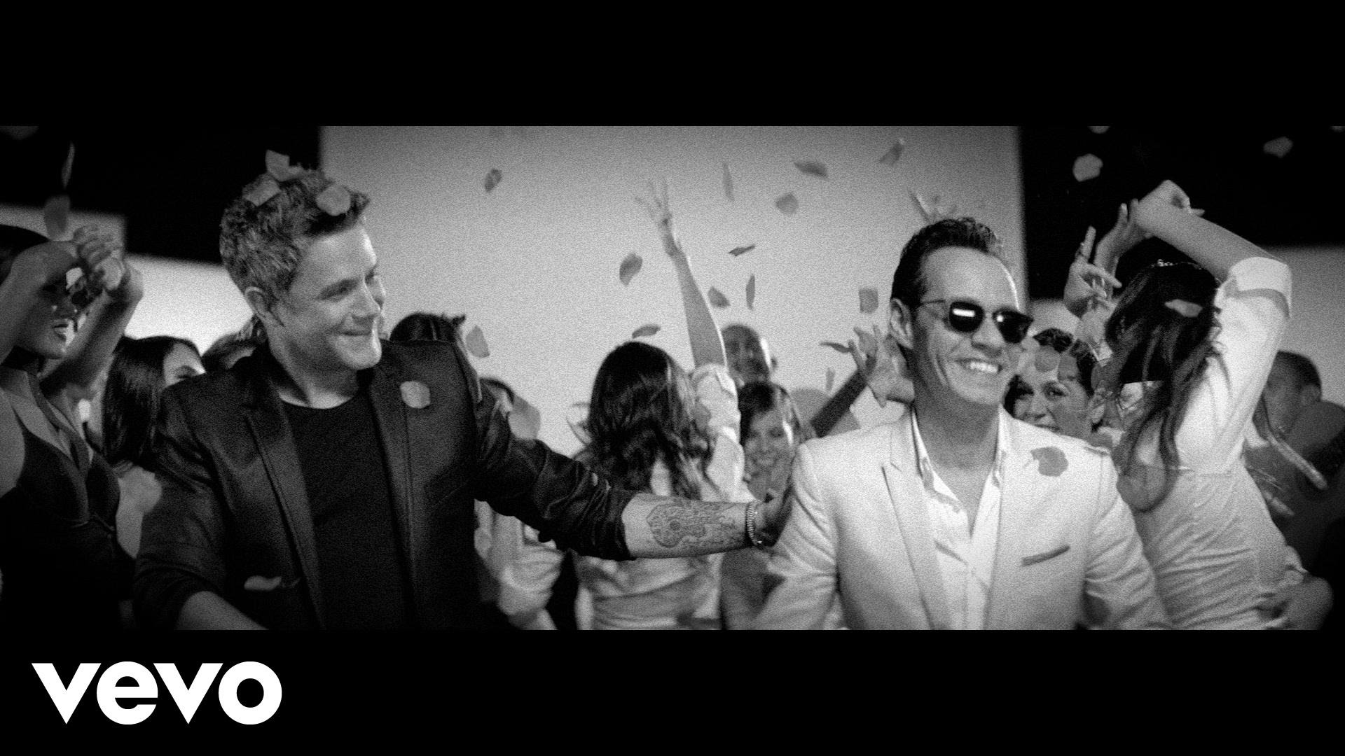 Alejandro Sanz ft Marc Anthony - Deja Que Te Bese (Video Oficial)