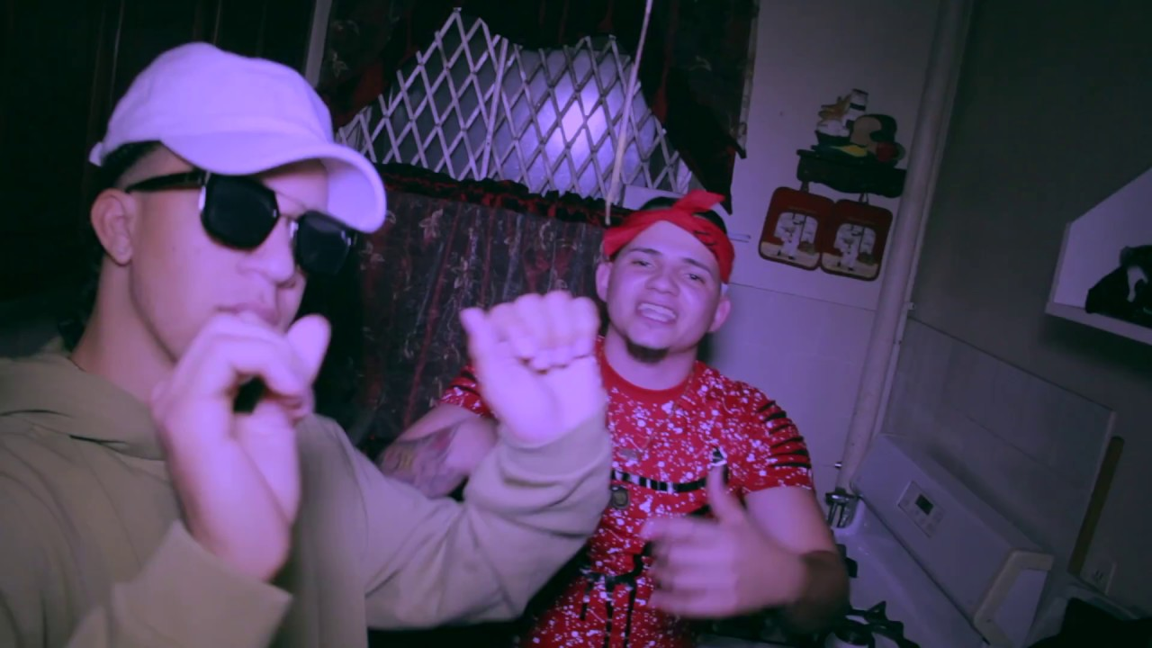 Papo Straker ft Young Flako – Mezclando Pure (Video Oficial)