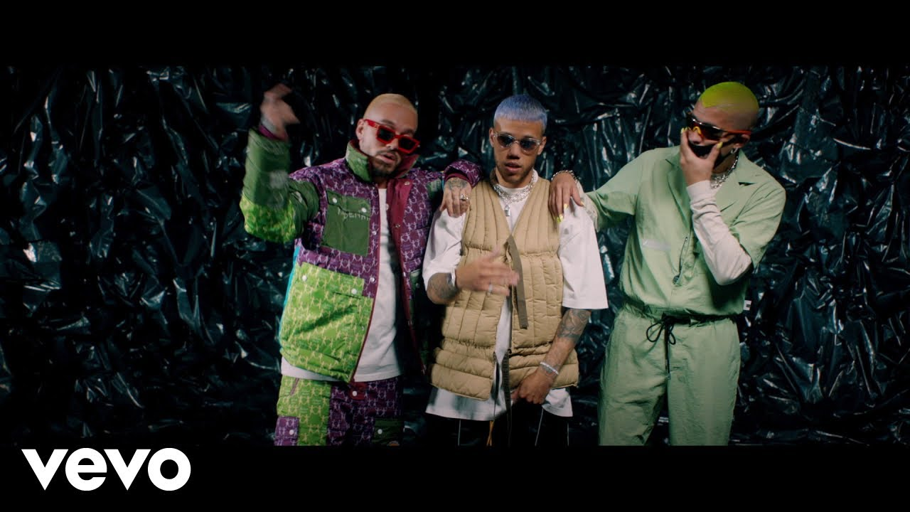 Jhay Cortez ft J Balvin & Bad Bunny - No Me Conoce (Remix) (Official Video)