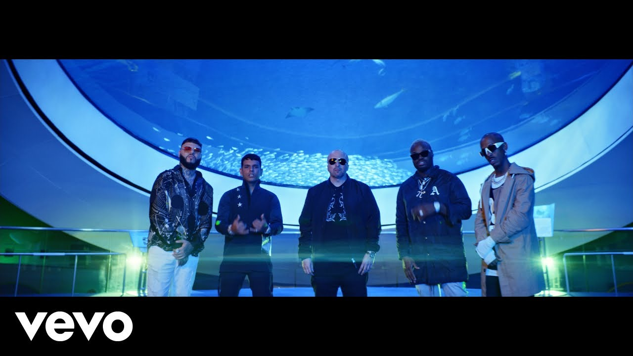 Farruko ft Tito El Bambino - No Le Bajes (Official Video)