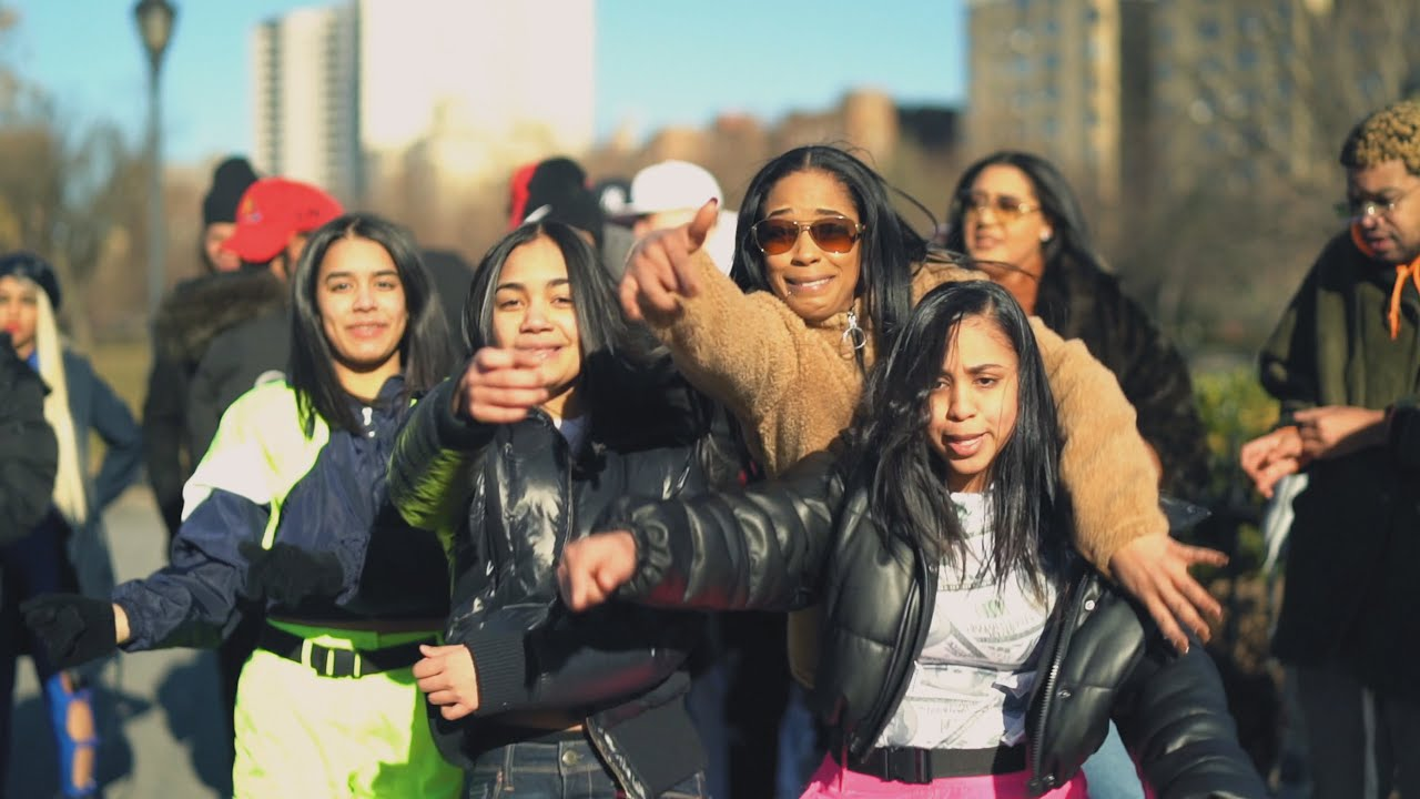 Jarxiel ft Varios Artistas - En New York (Version Femenina) (Video Oficial)